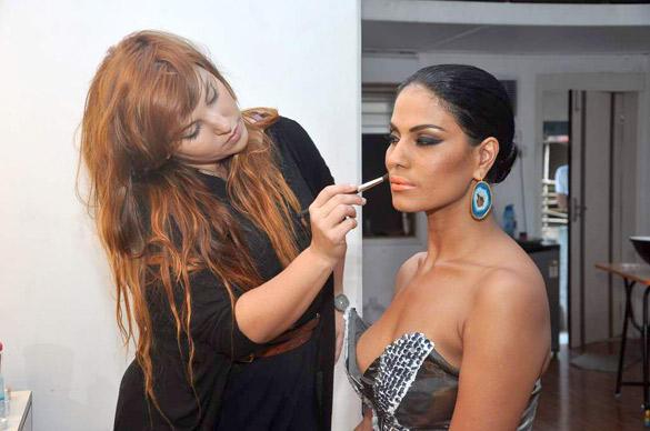 Hot Beauty Veena Malik Latest images