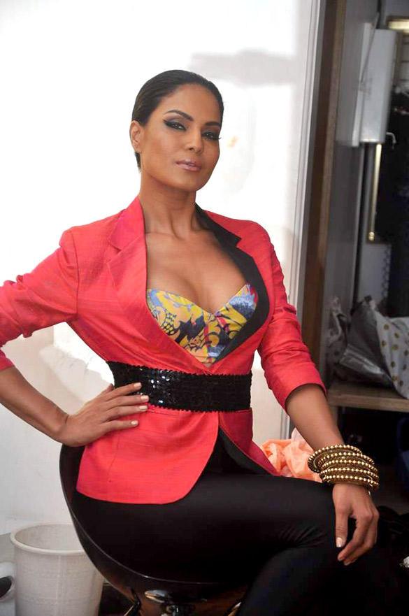 Veena Malik Latest Hot Look Photo Shoot