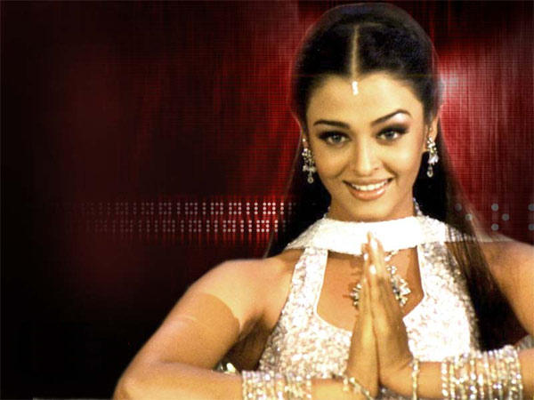 Aishwarya Rai Cute Look Wallpaper