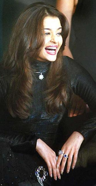 Aishwarya Rai With Open Smile Pic