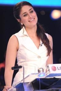 Kareena Kapoor Cute Smile Pic In Dus Ka Dum