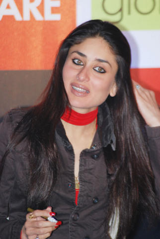 Kareena Kapoor Launches Filmfare Issue at Vie Lounge