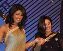 Priyanka and Kareena Smiling Pic