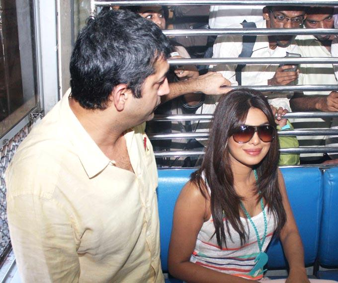 Kunal Kohli and Priyanka Promote Teri Meri Kahaani on a Local Train in Mumbai
