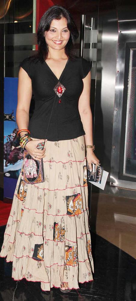 Deepshikha at Premiere of Rock of Ages