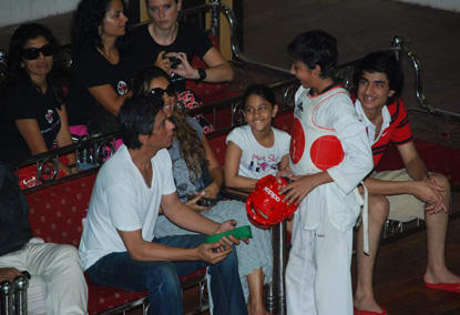 Shahrukh Khan With Sweet Family