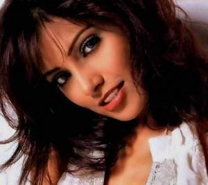 Bipasha Basu Beautiful Romantic Face Still