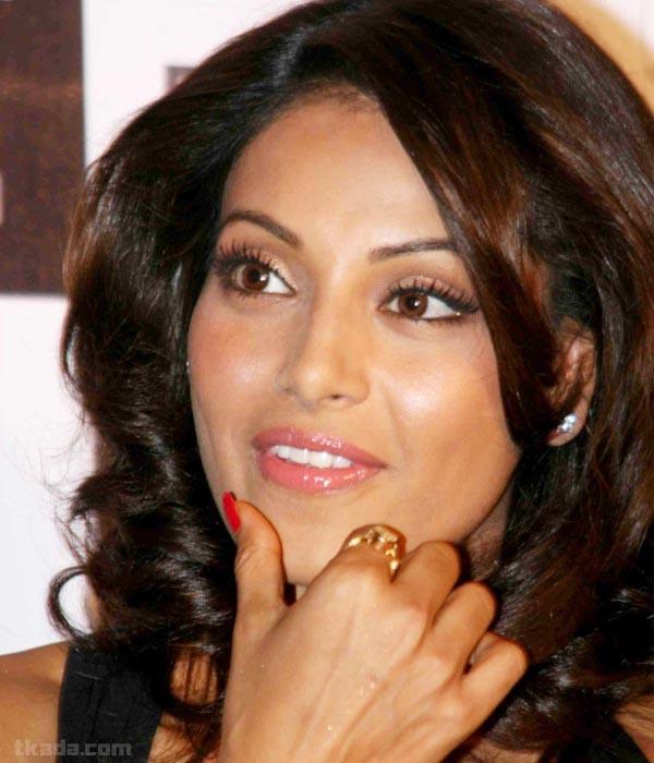 Bipasha Basu Cute Face Look Still