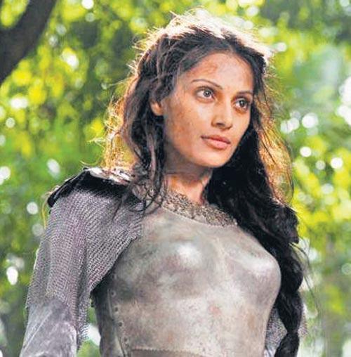 Bipasha Basu Hot Angry Look In Singularity