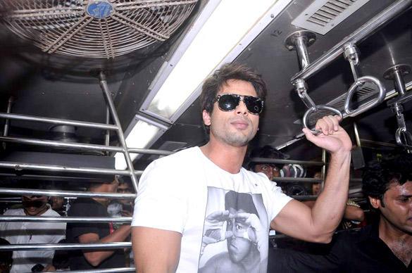 Shahid Kapoor Taking a Local Train Ride To Promote Teri Meri Kahaani