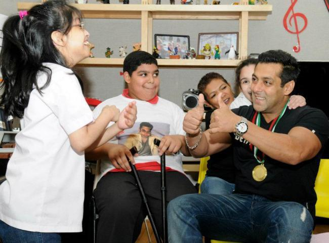 Salman Khan Cute Still at Rashid Pediatric Therapy Centre In Dubai