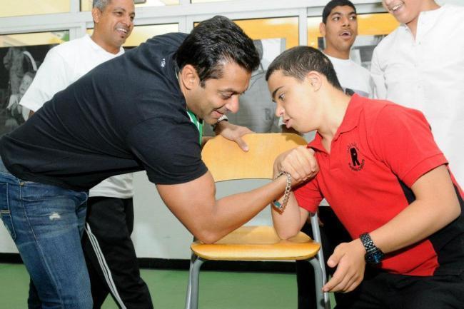 Salman Khan Play Still at Rashid Pediatric Therapy Centre In Dubai