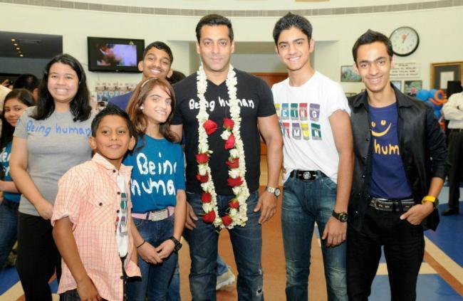 Salman Khan Poses To Photo Shoot at Rashid Pediatric Therapy Centre