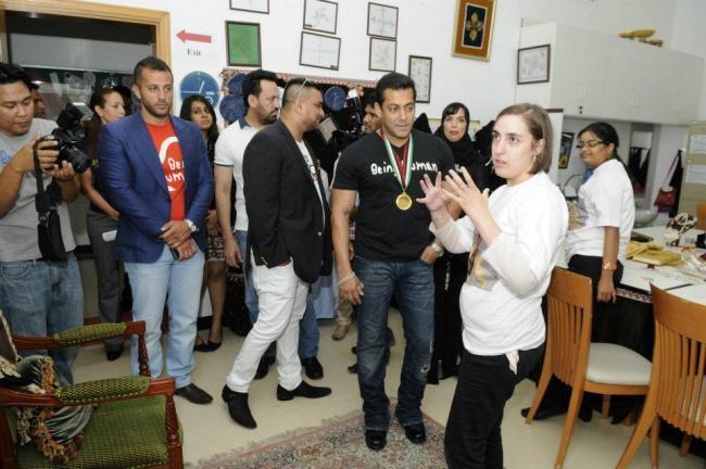 Salman Khan at Rashid Pediatric Therapy Centre