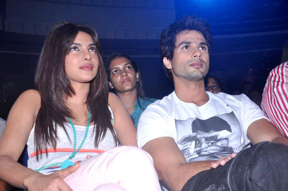 Priyanka and Shahid Pic During The Promotion Of Teri Meri Kahaani at Jai Hind College
