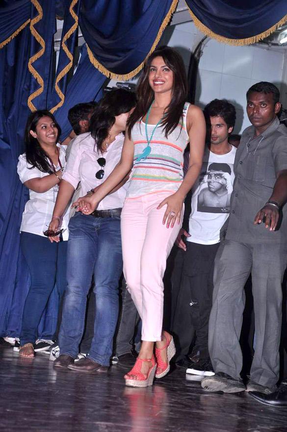 Priyanka Chopra Visit Jai Hind College To Promote Teri Meri Kahaani