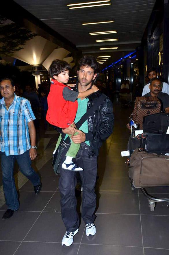 Hrithik Roshan Spotted at Mumbai International Airport