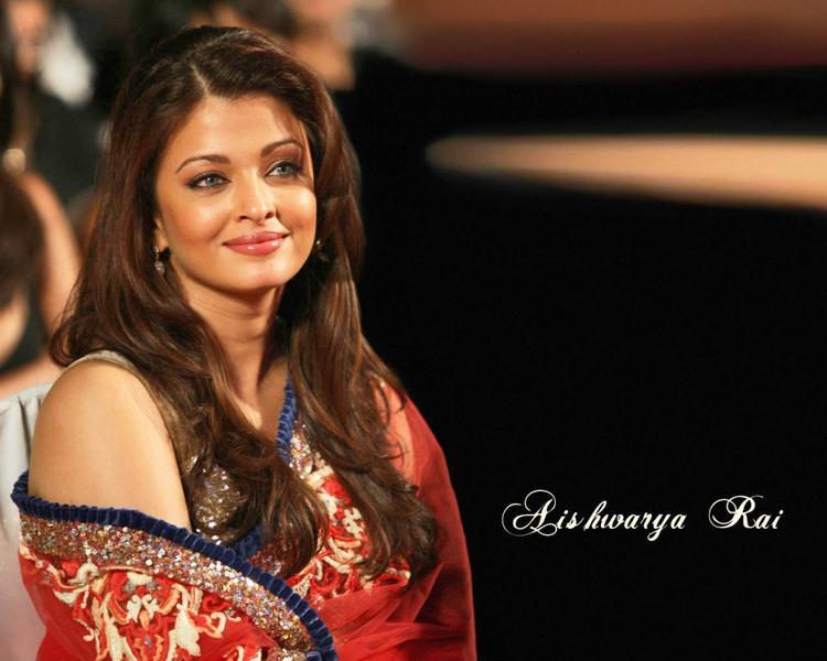 Beauty Queen Aishwarya Rai Wallpaper