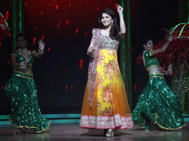 Madhuri Dixit Performs at Launch of Jhalak Dikhhla Jaa Season 5