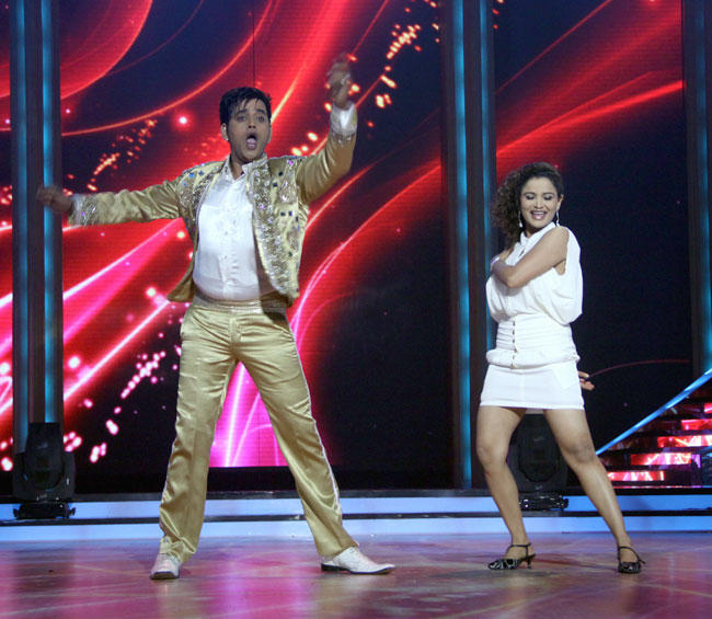 Ravi Kishan Latest Pic at Launch of Jhalak Dikhhla Jaa Season 5