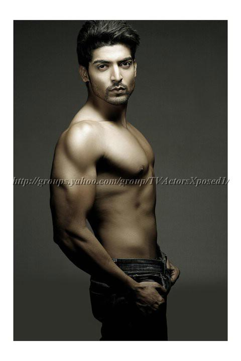 Gurmeet Choudhary Shirtless Hot Photo