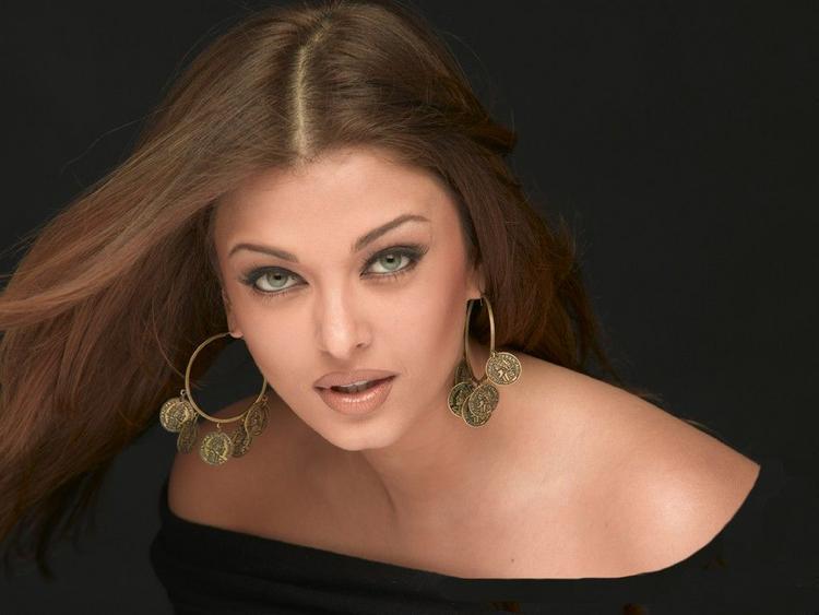 Aishwarya Rai Sexy Face Look Still