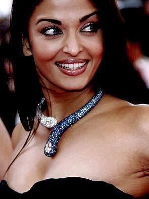 Aishwarya Rai Smiling face Still at Cannes
