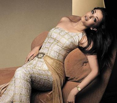 Aishwarya Rai Spicy Hot Photo Shoot