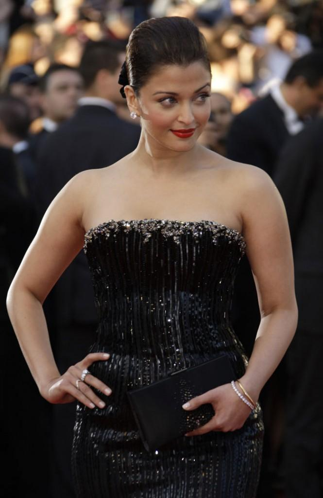 Aishwarya Rai Strapless Gown Sexy Still at Cannes