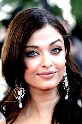 Spicy Babe Aishwarya Rai Stunning Photo