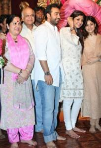 Shilpa Shetty With Raj at Ganesh Puja