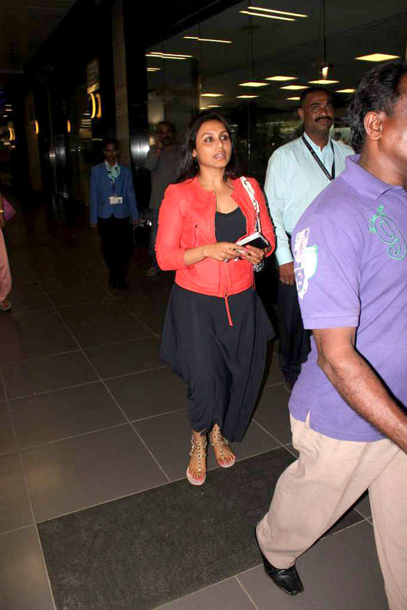 Rani Mukherjee Spotted At Airport In Casual Look