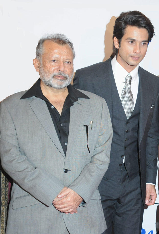 Pankaj Kapoor and Shahid Kapoor Share a Lovely Bond Mausam