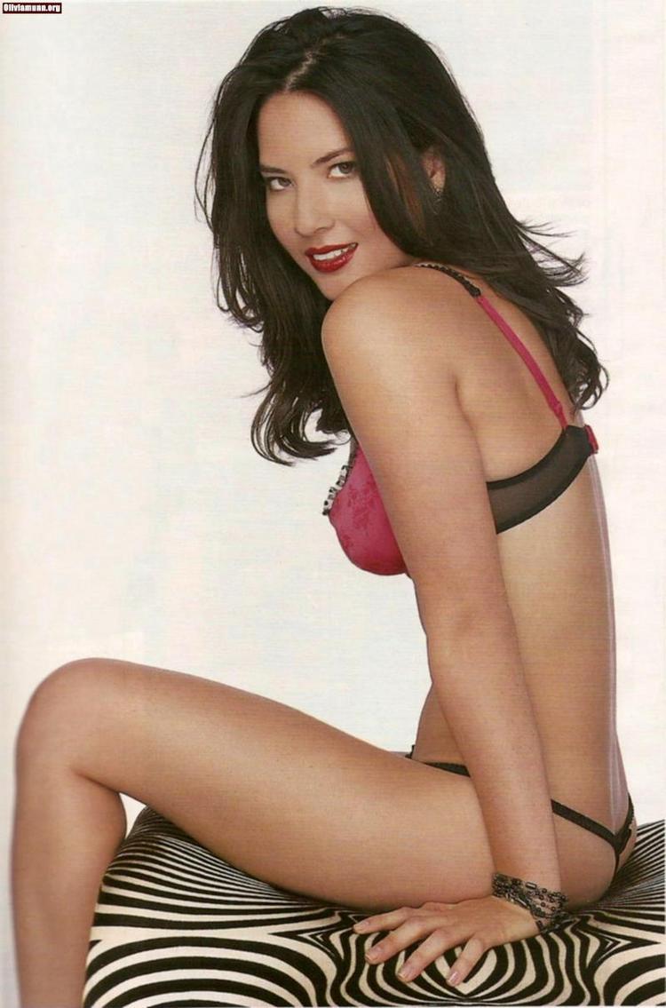 Olivia Munn In Bikini Hot Pic