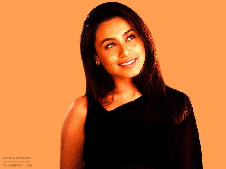Rani Mukherjee Cute Beautiful Gorgeous Pic In Saree