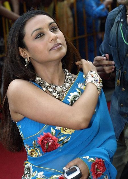 Rani Mukherjee In Light Blue Saree Hot Pic