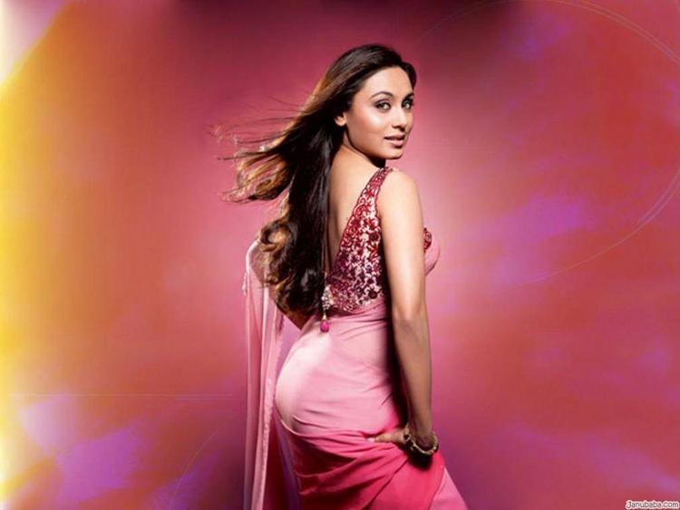 Rani Mukherjee Sexy Pose Photo Shoot In Pink Saree