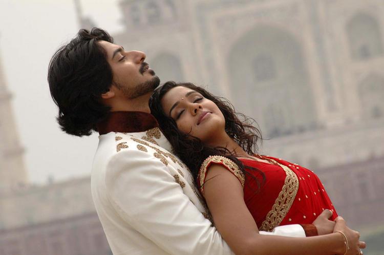 Ananya and Prajwal Devaraj Romantic Mode Pic In Gokula Krishna