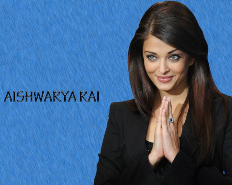 Aishwarya Rai Sexy Blue Eyes Look Pic