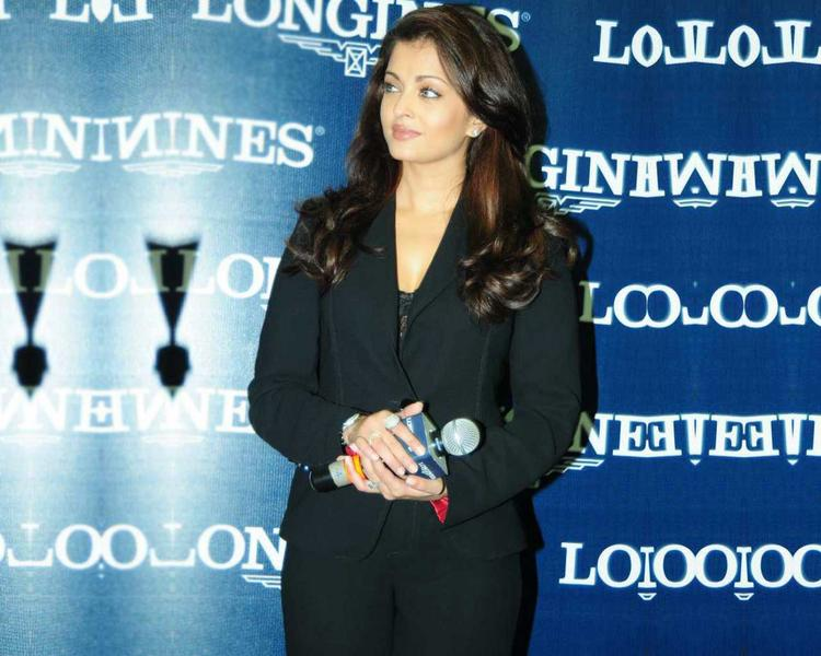 Aishwarya Rai Stylist Photo In Blazer