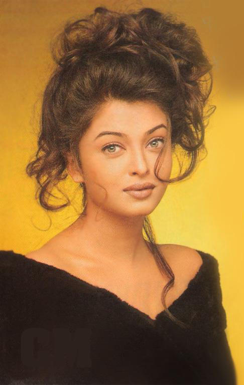 Aishwarya Spicy Sizzling Wallpaper
