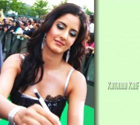 Katrina Kaif Nice Beauty Still On Green Carpet