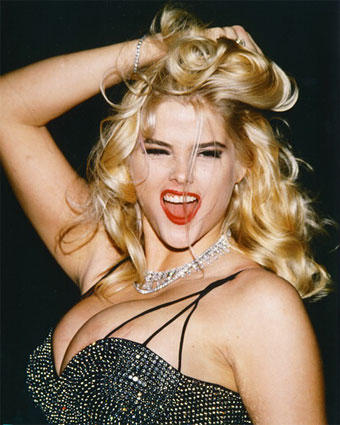 Anna Nicole Smith Big Boob Show Sexy Still