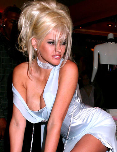 Anna Nicole Smith Sexy Boob Show Still