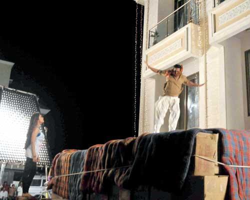 Akshay Kumar Dangerous Stunts for Khiladi 786 Movie Stills