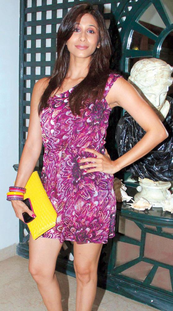 Kishwer Merchant Looks Pretty in a Printed Dress at Mika Singh Birthday Bash