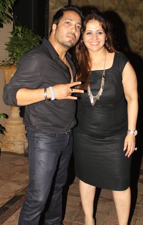 Mika Singh with Kiran at Mika Singh Birthday Bash