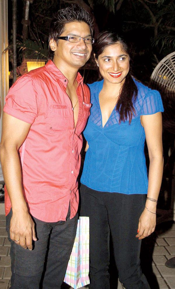 Shaan and Radhika Look Colourful at Mika Singh Birthday Bash