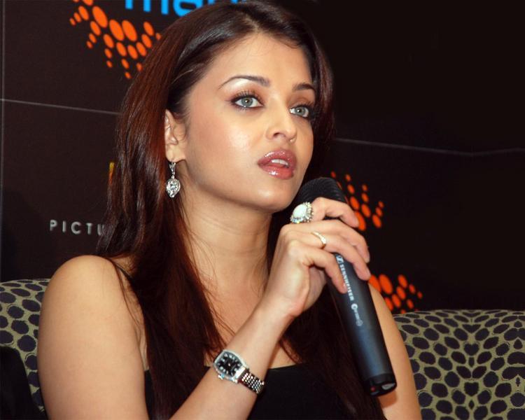 Hot Bolly Beauty Aishwarya Rai Pic