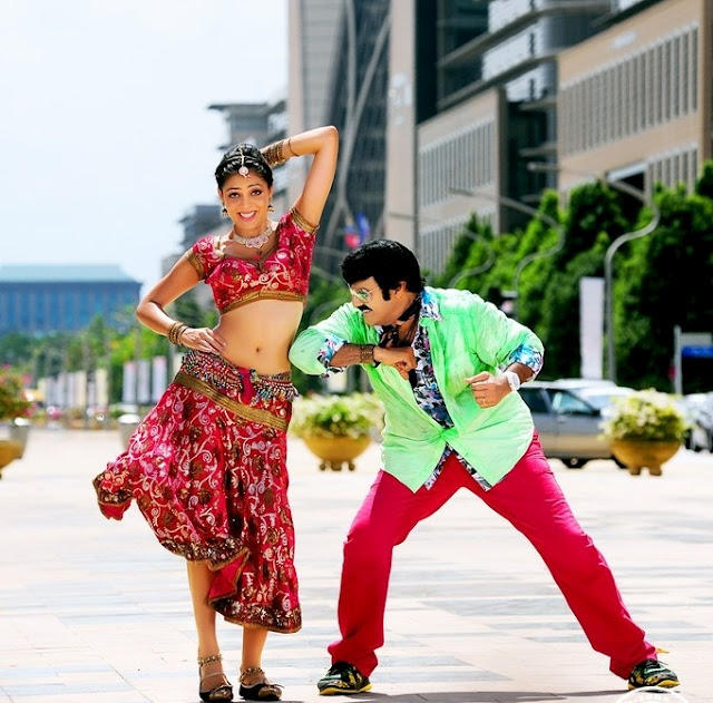Balakrishna and Parvathi Sexy Dancing Pic In Srimannarayana